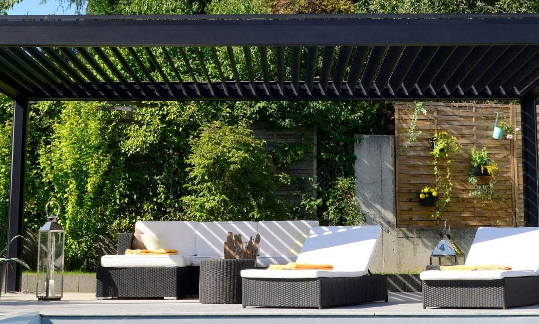 All about Awnings – Tips To Choose the Right One for Your Hotel