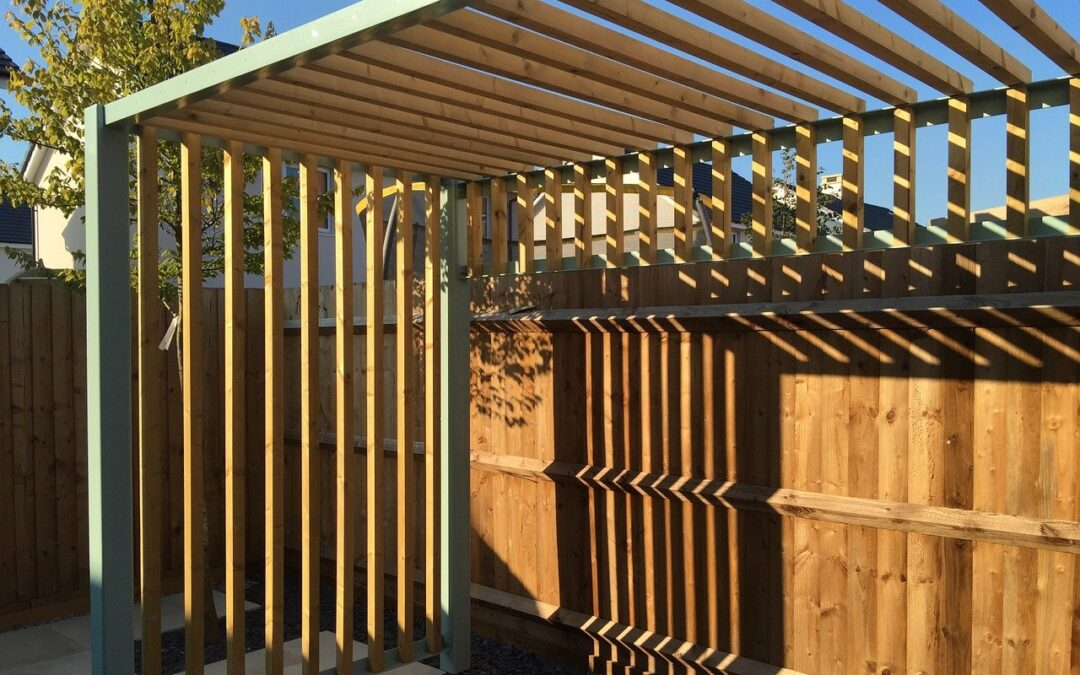 Here's How to Choose the Right Pergola for Your Backyard