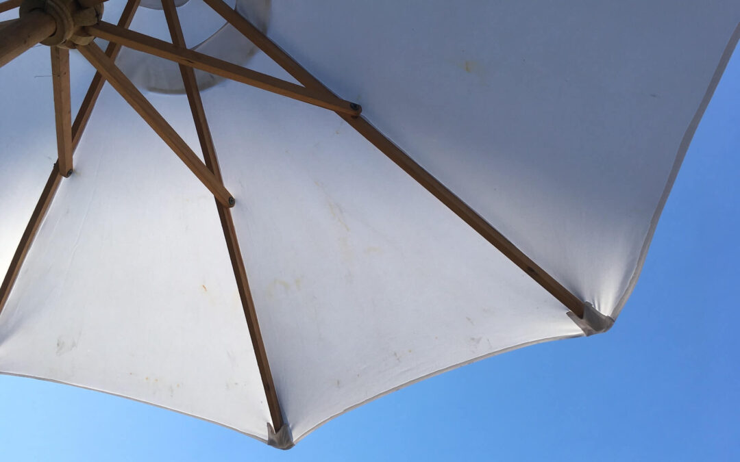 5 Commonly Asked Questions About Retractable Awnings